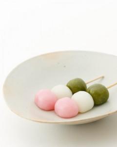 色 団子 三 【楽天市場】芽吹き屋の三色だんご 1箱4本入×4パック
