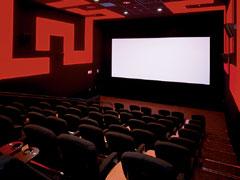 映画デートにおすすめ♡「カップルシート」のある映画館 ...